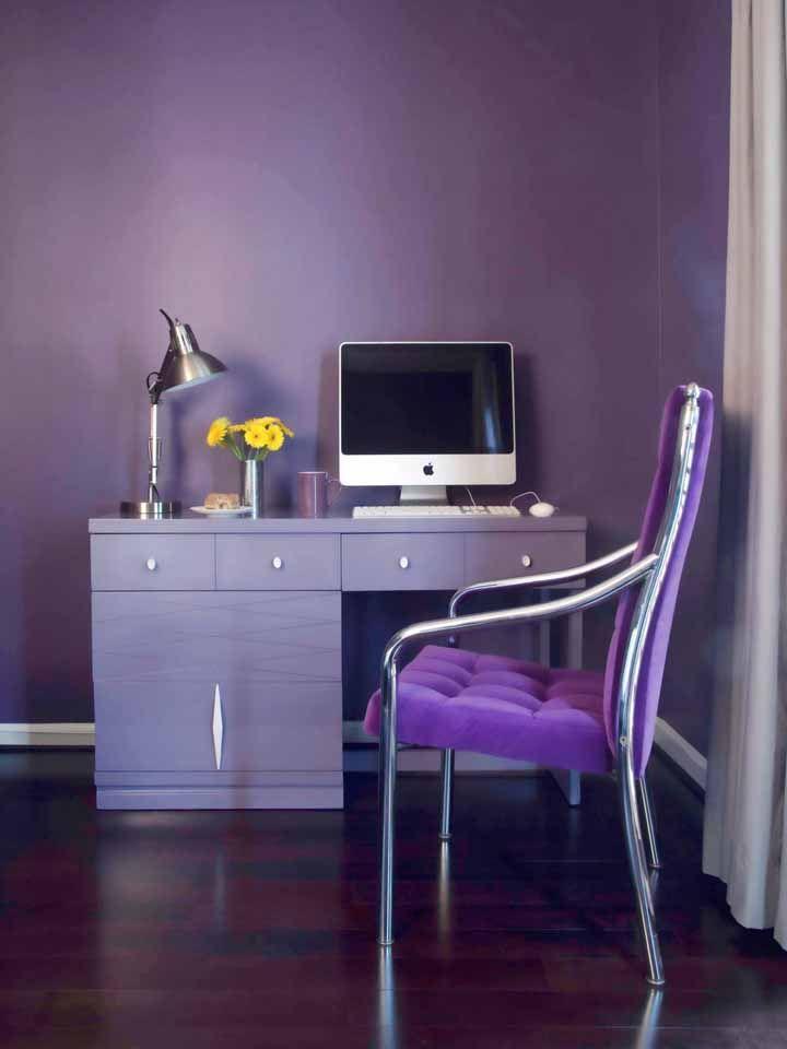 Decore o home office com uma cadeira em lilás