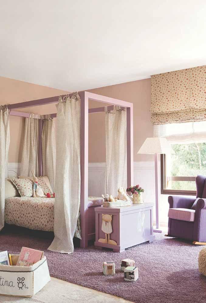 Nesse quarto o lilás fica lindo quando usado em vários tons