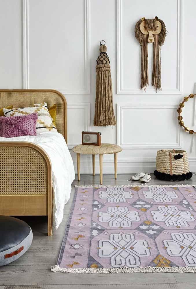 Escolha alguns itens de decoração no tema rústico com tons de lilás