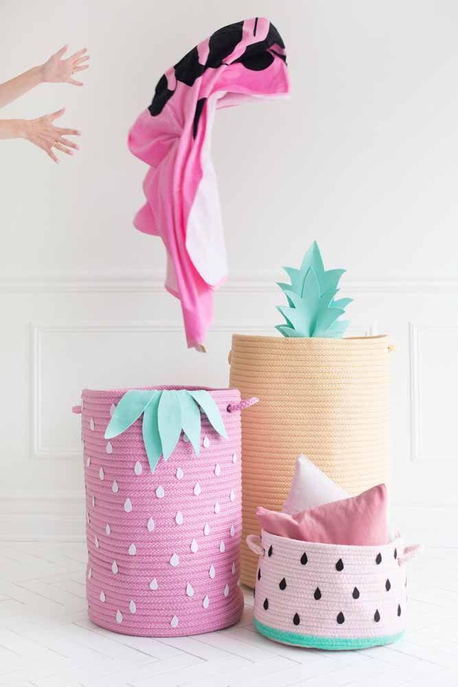 Faça você mesmo suas caixas organizadoras usando como referência aquilo que mais combina com o seu estilo e a sua decoração