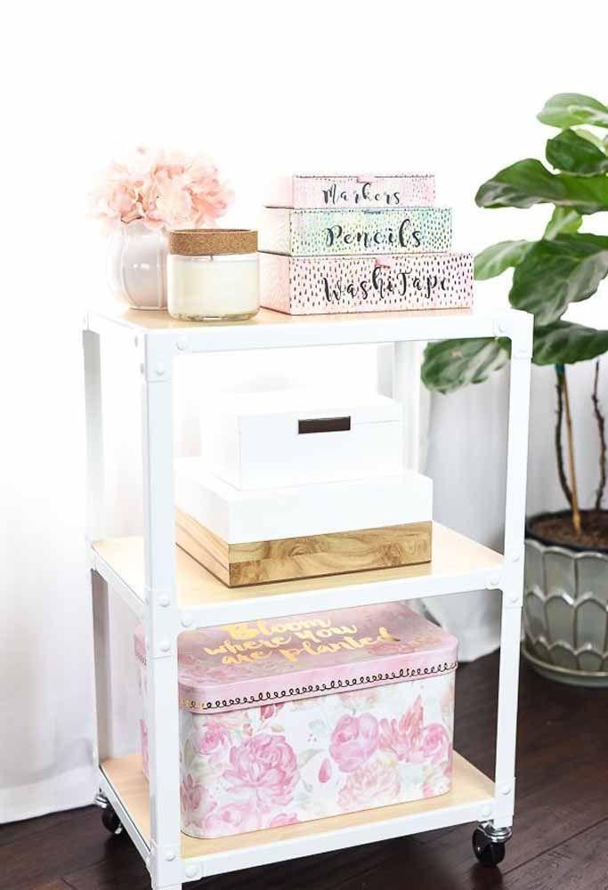 Caixas de tamanhos e cores diferentes, mas no mesmo estilo: românticas e delicadas