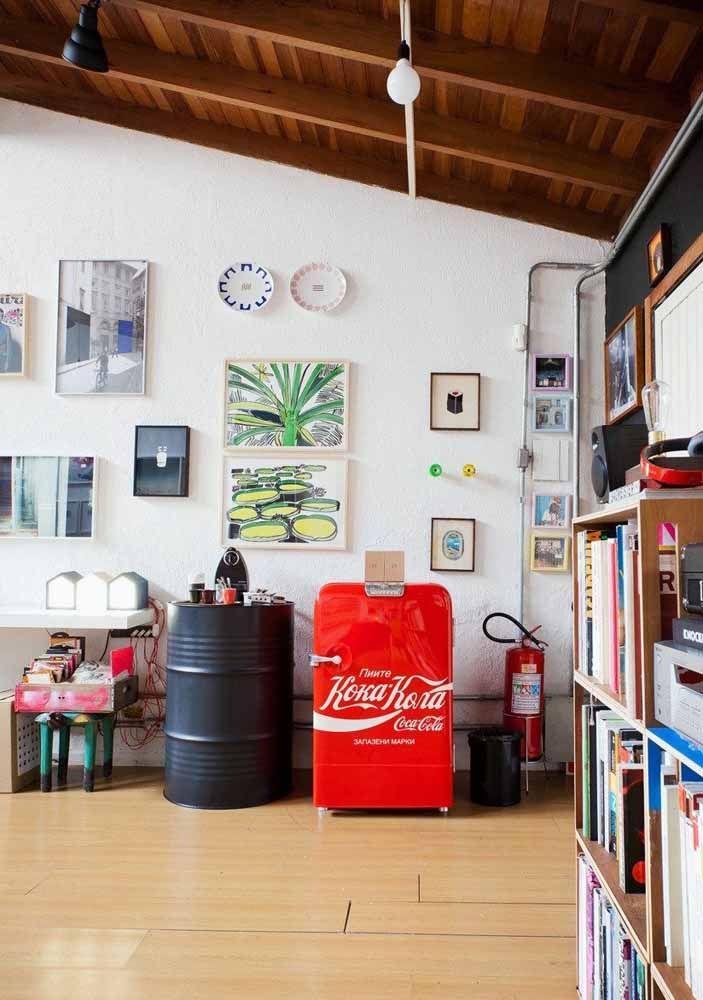 Quer um espaço para o seu cantinho do café? Que tal montá-lo sobre o tambor decorativo?