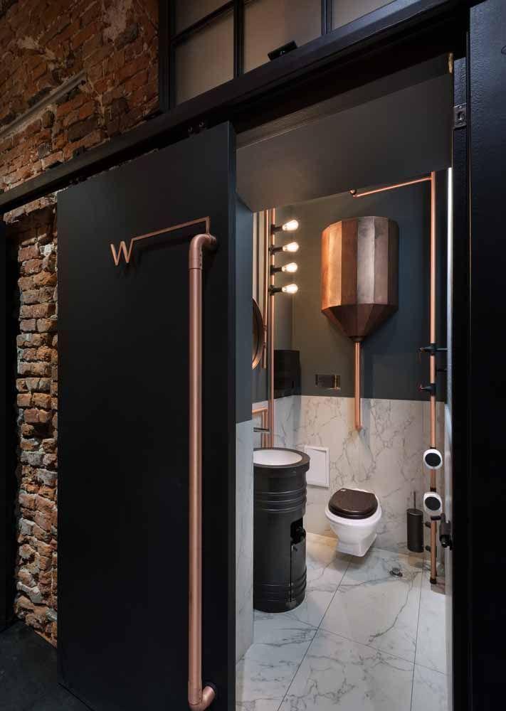 Você pode ir um pouco além e transformar o tambor em cuba e em armário para o banheiro