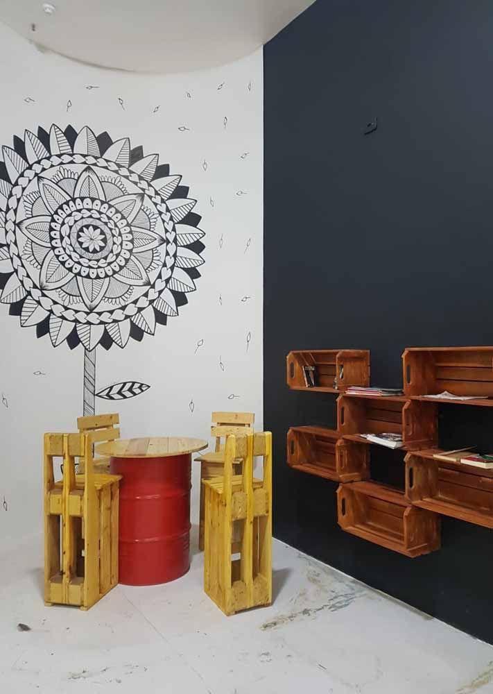 Agora se a ideia é partir com tudo para o conceito de sustentabilidade inspire-se com esse projeto: o tambor virou mesa e os caixotes se transformaram em nichos e bancos