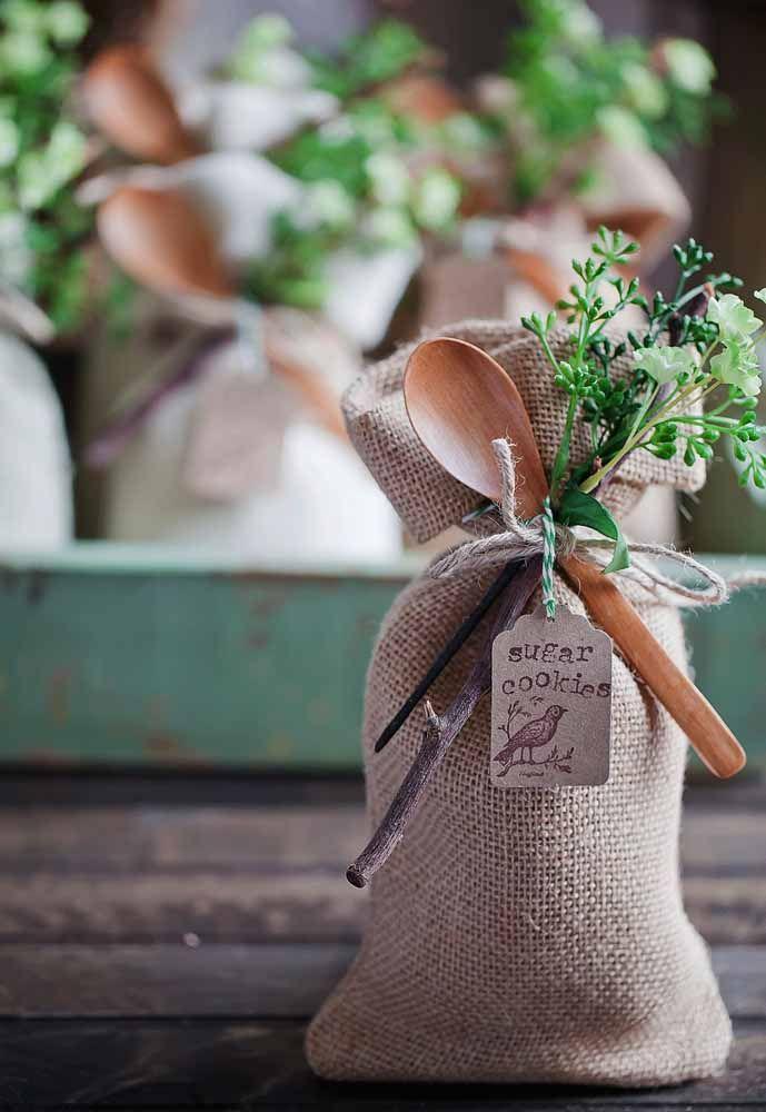 Lembrancinha rústica para o chá de cozinha: um charme, não?