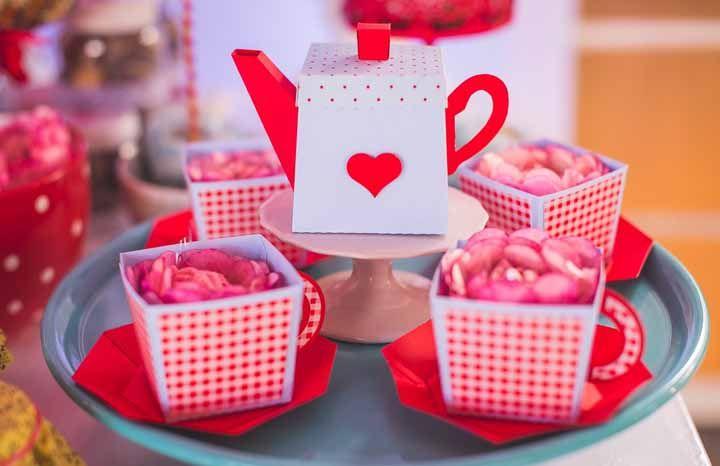 Xícaras floridas para decorar
