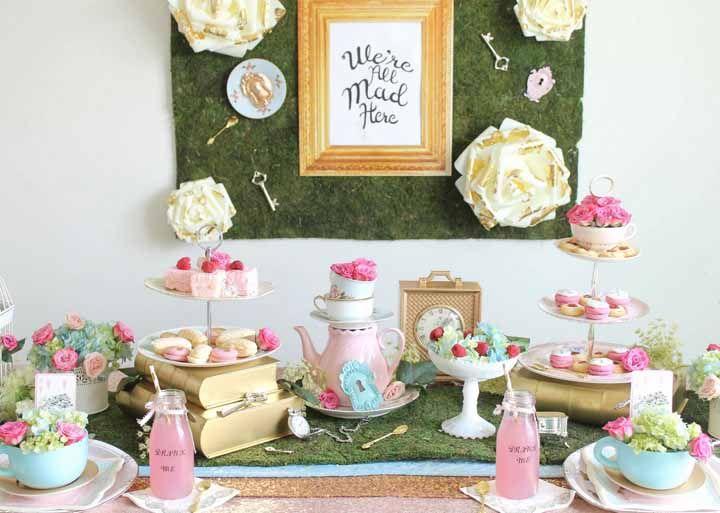 A inspiração desse chá de cozinha foi o filme Alice no País das Maravilhas! Lindo!.