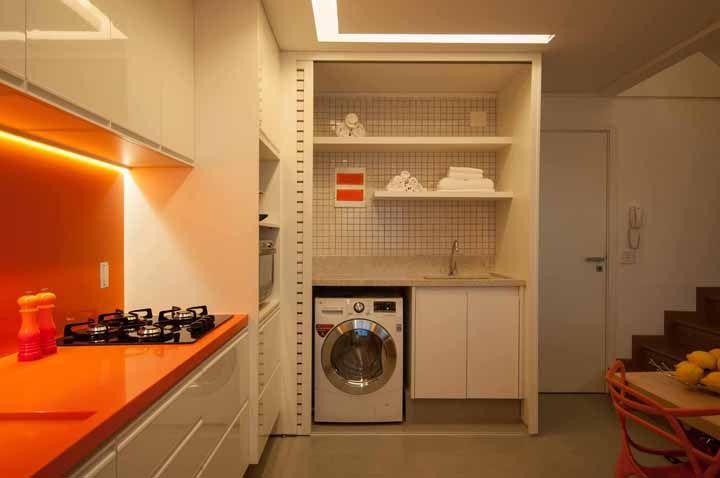 Vibrante, dinâmica e alegre: é assim que fica uma cozinha revestida com Silestone laranja