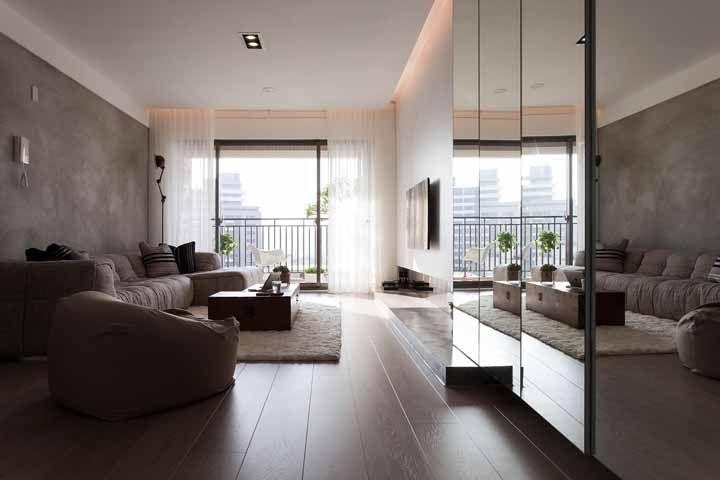 Escolha um piso mais confortável, de preferência os de madeira ou laminados; eles são mais agradáveis ao toque e a visão