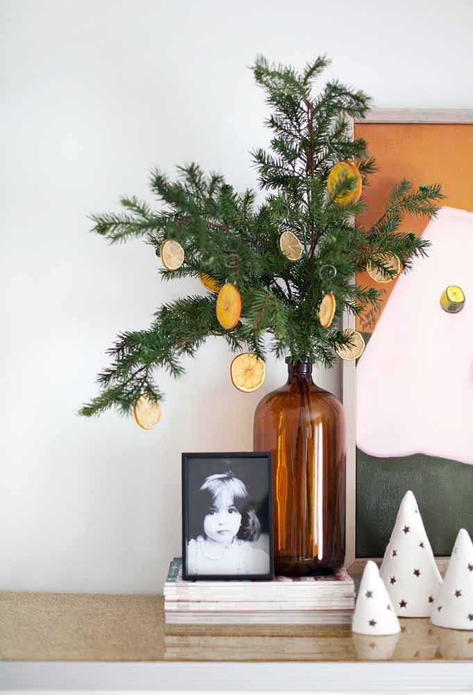 Transforme a árvore de natal em uma árvore de laranja
