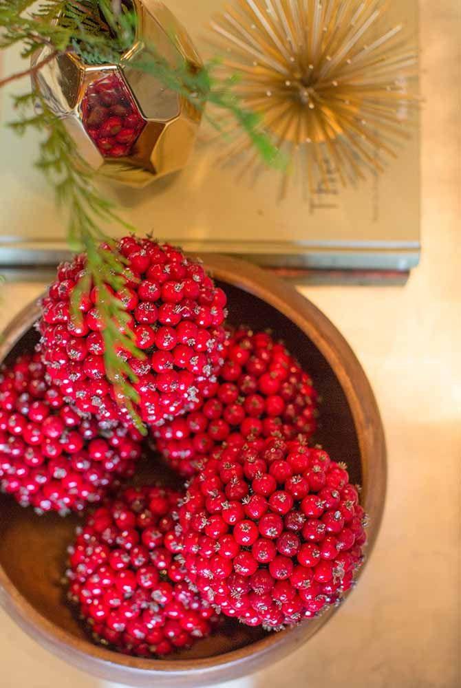 Se não tem flores, faça um arranjo com frutos