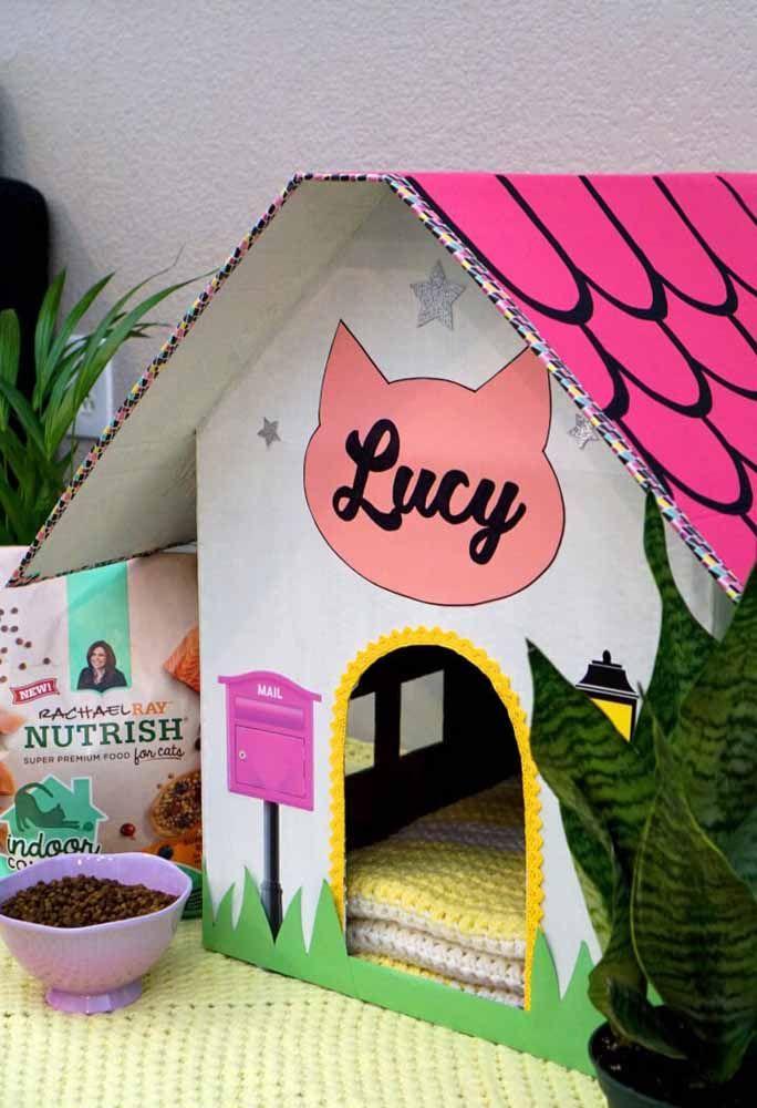 Casinha de papelão para o gato; use a criatividade para decorá-la como quiser