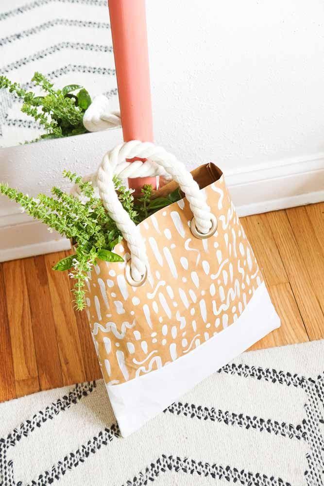 E uma bolsa de papelão como essa? Você topa?