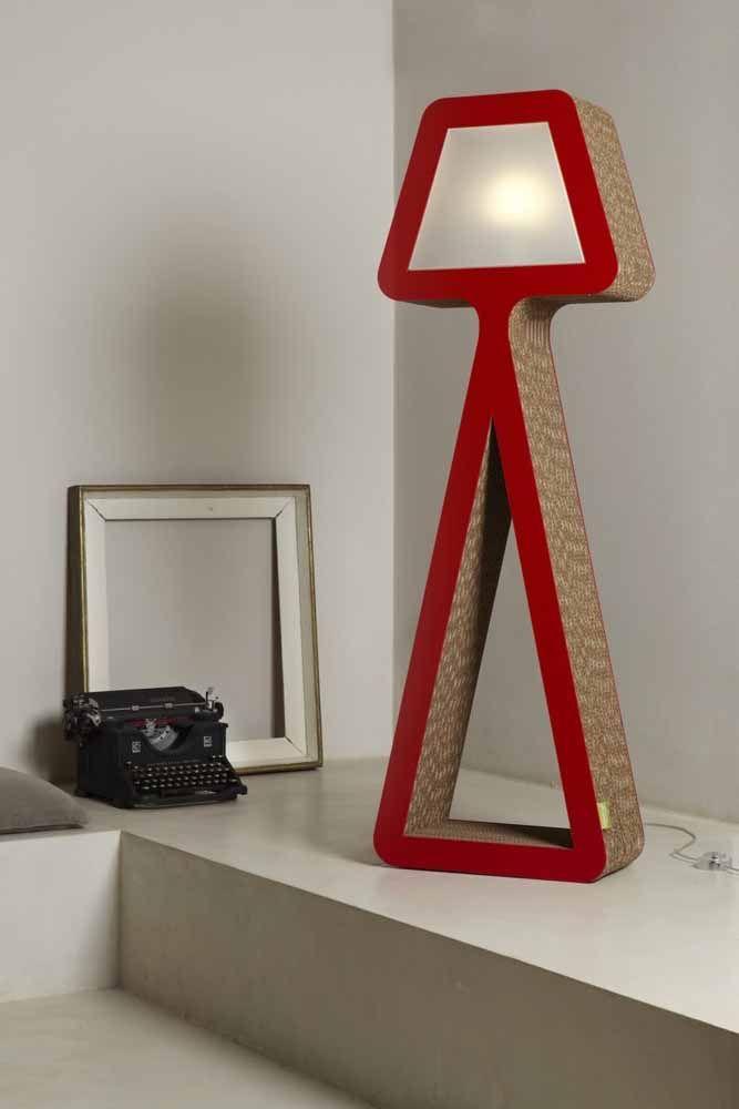 Luminária de design moderno que nem parece feita de papelão
