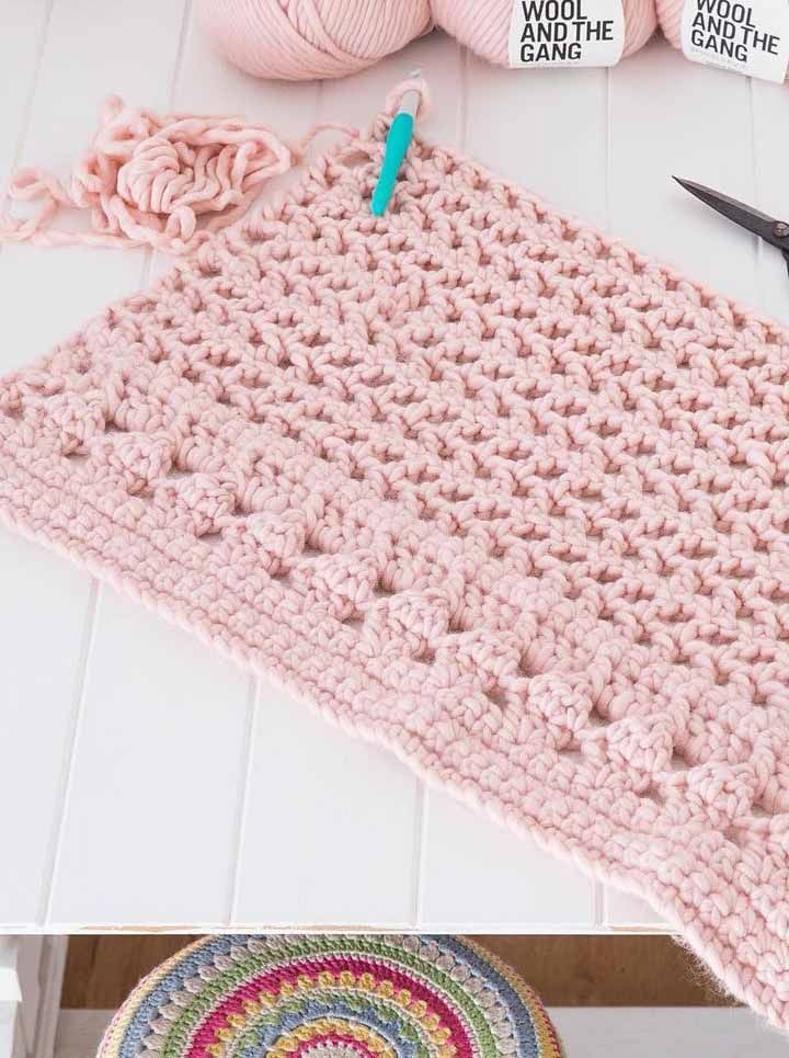 Aproveite o tom da moda é use-o em suas peças de crochê