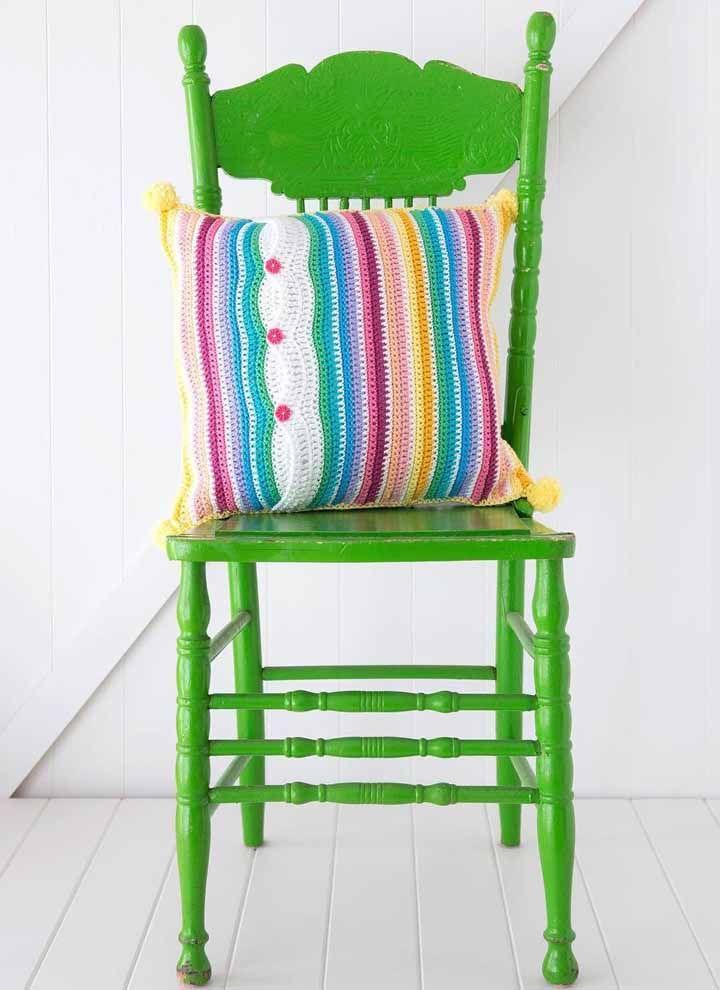 Capas de almofada: itens indispensáveis na decoração e que podem ser feitas em modelos variados usando a técnica do crochê