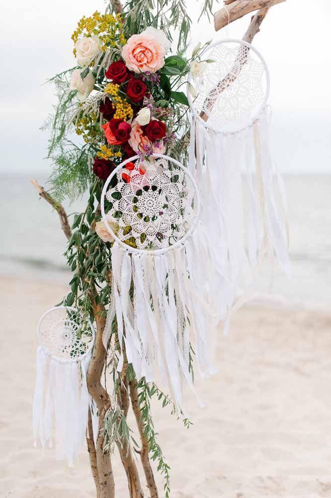 E para um casamento praiano, filtros dos sonhos feitos de crochê