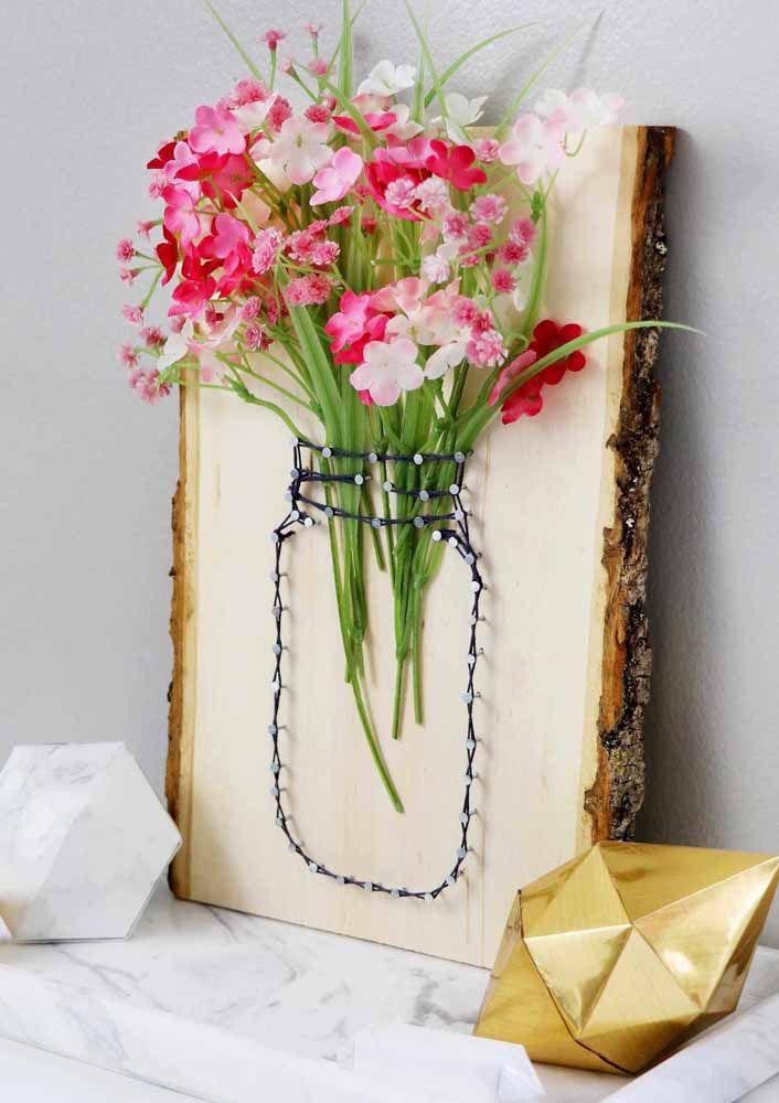 Uma ideia criativa e original para usar flores artificiais