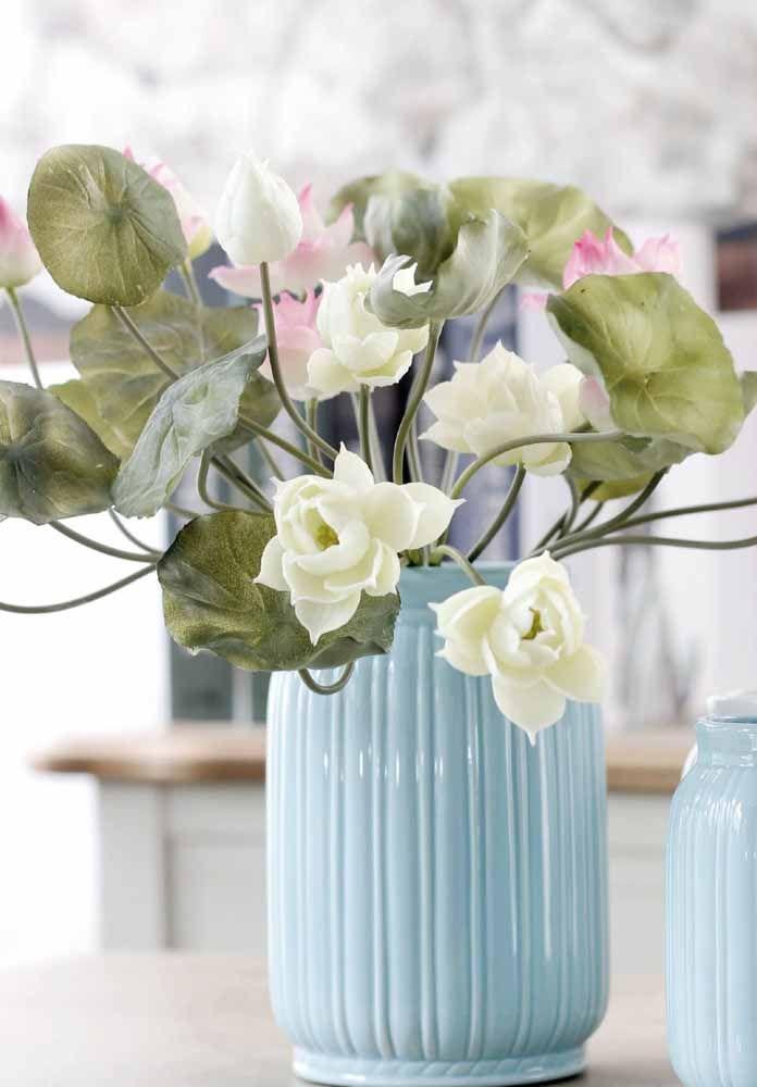 O movimento livre de cada flor traz mais realismo a esse arranjo
