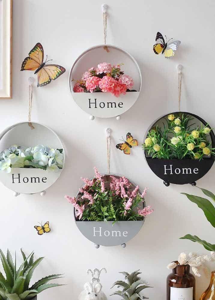 Já que as flores são de mentirinha, as borboletas também podem ser