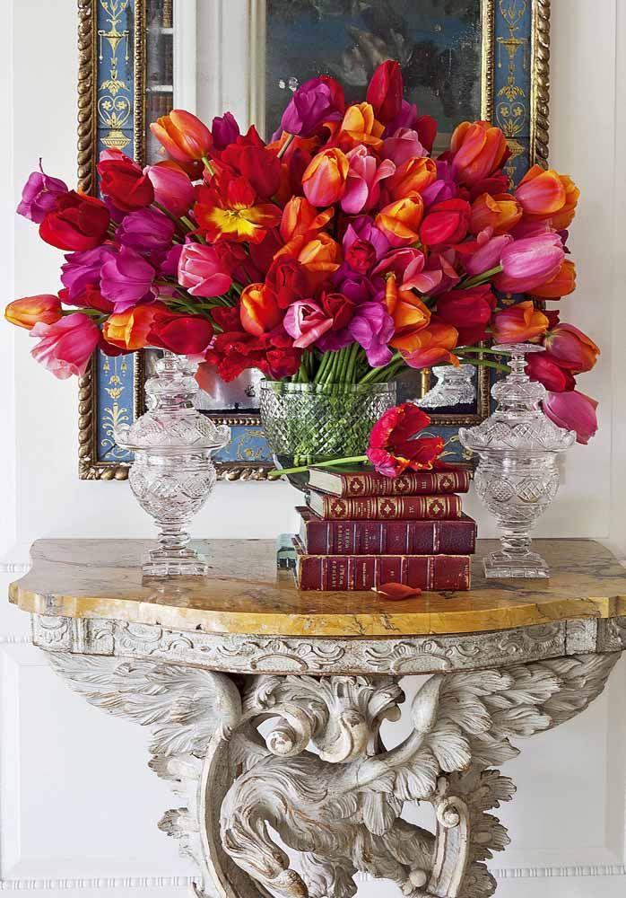 Esse é um daqueles arranjos que é preciso tocar para saber se as flores são ou não de verdade