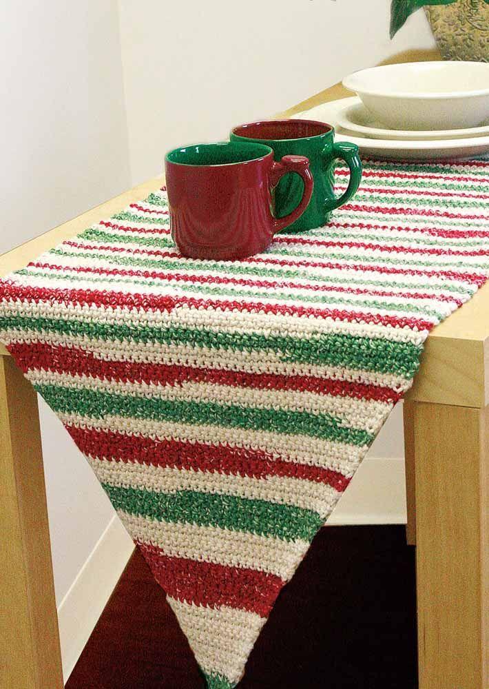 Combinação do vermelho com o verde para decorar a mesa
