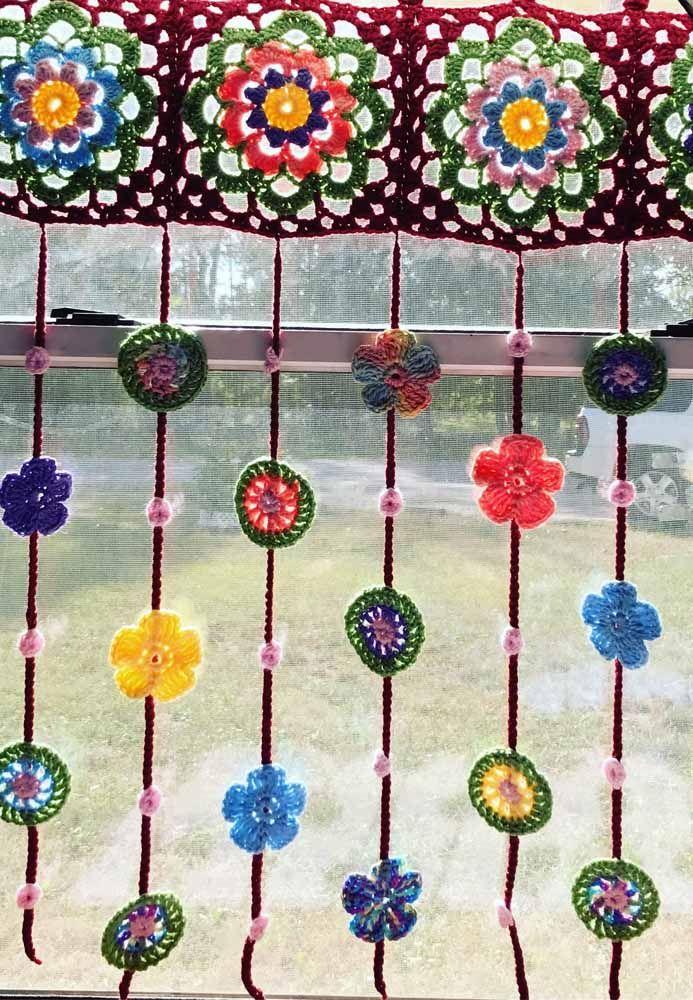 Use formas e cores diferentes na sua cortina