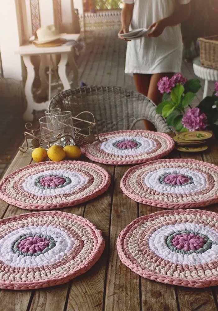 Objetos decorativos de crochê
