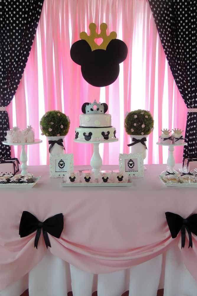 O que acha de incorporar um pouco do estilo provençal à decoração da festa Minnie?