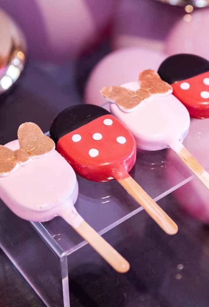 Nessa festa, Mickey e Minnie Mouse aparecem até nos sorvetes