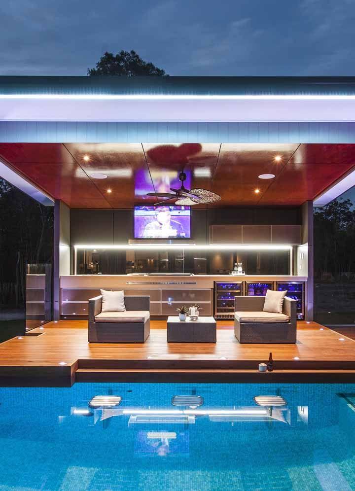 Área de churrasco com piscina: tudo o que você queria ver não é mesmo?