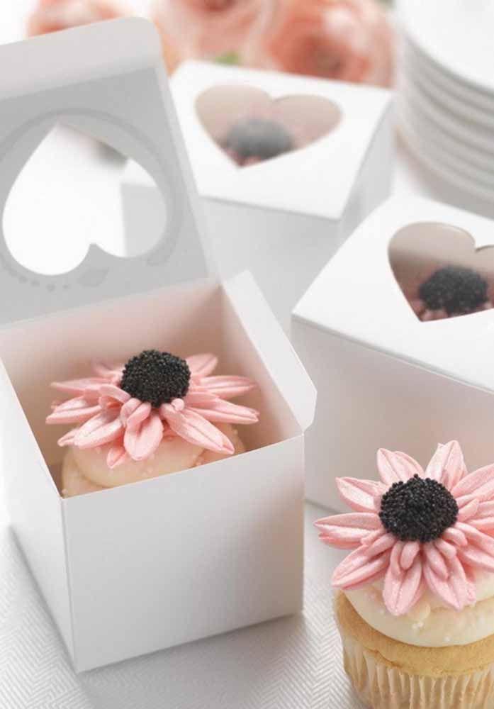 Uma lembrancinha doce e bonita: cupcakes