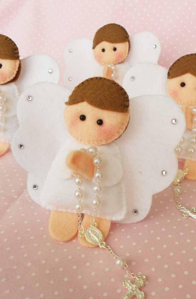 Anjinhos em oração feitos de feltro: muito fofo, não?