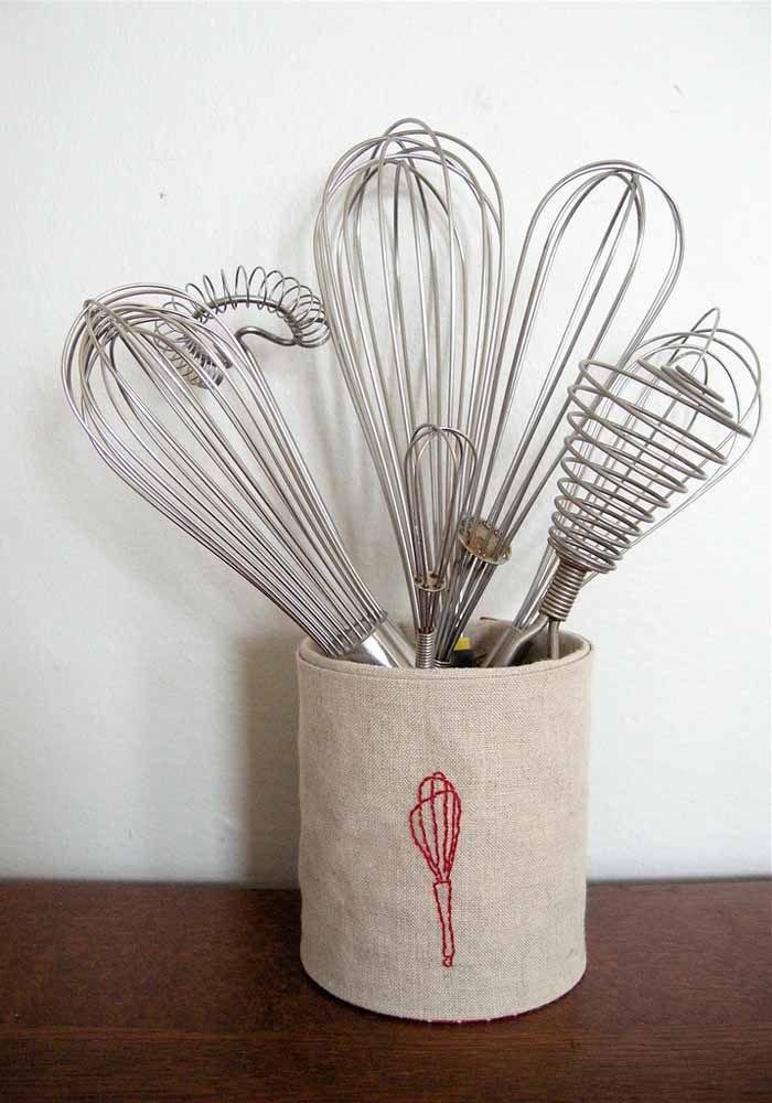 Um porta utensílios especial para decorar a cozinha