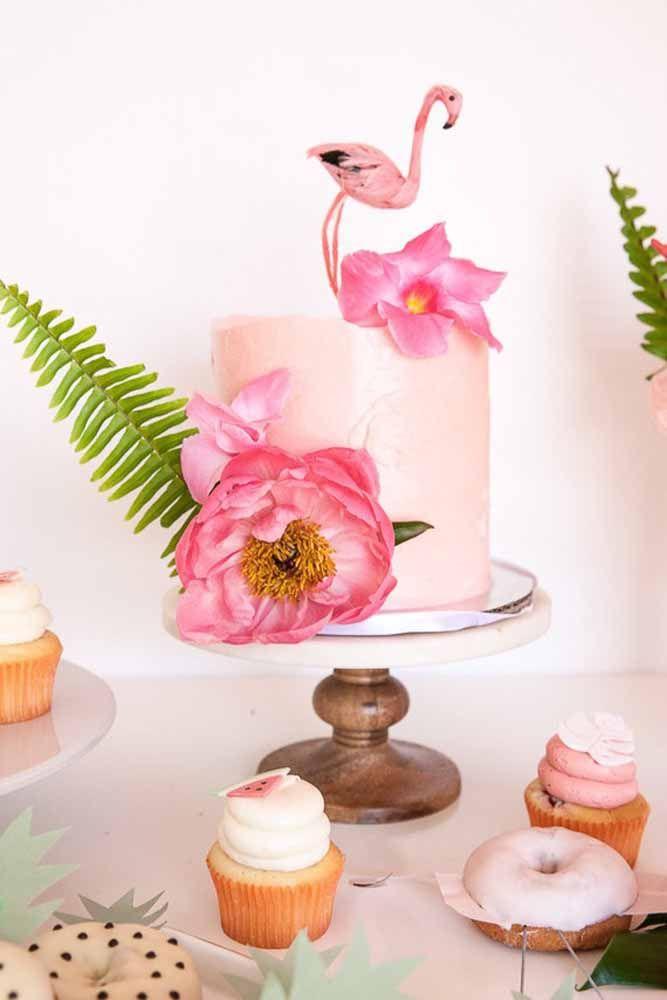 Flamingos e flores