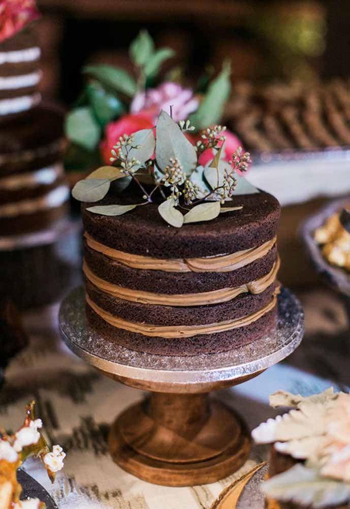 Naked cake de chocolate com recheio de doce de leite: tá bom para você?