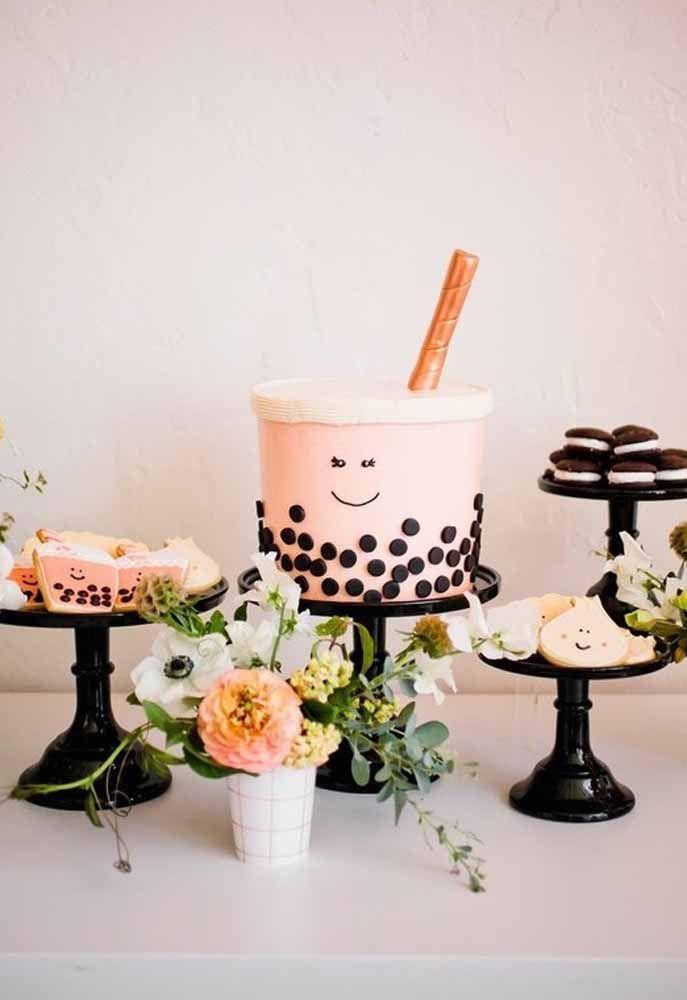 E que tal uma versão simpática e sorridente de bolo?