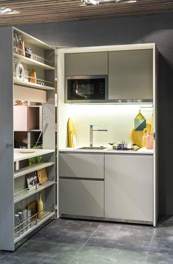 Melhor que uma cozinha modulada é uma cozinha abre e fecha, pensou uma dessas aí na sua casa?