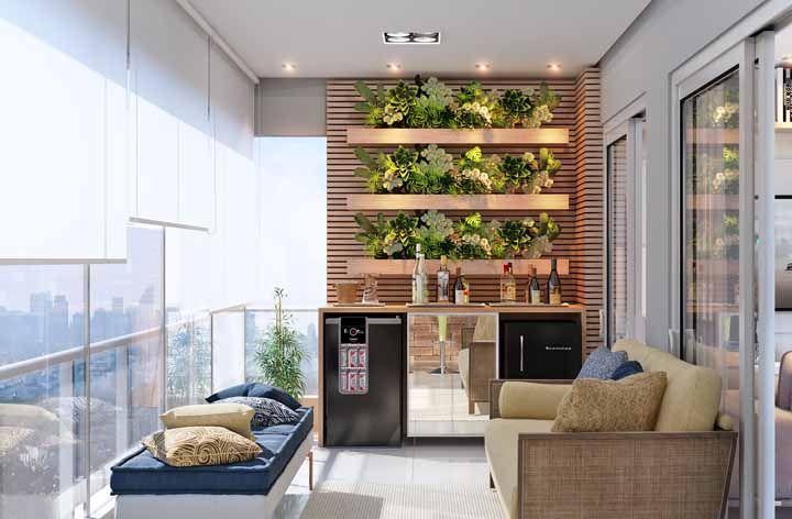 As plantas deixam o bar da varanda mais convidativo e atraente