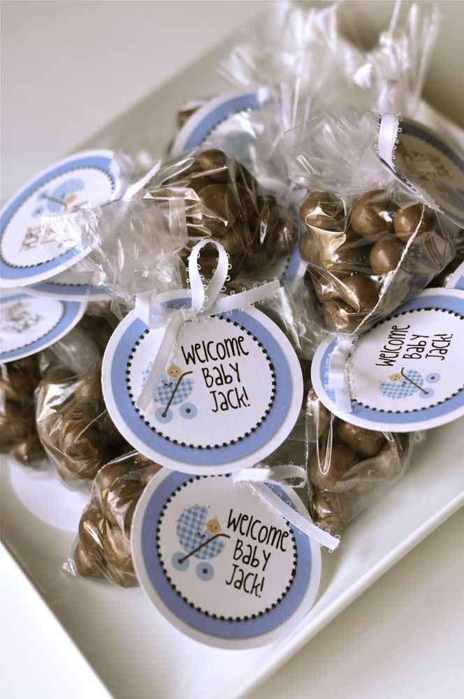 Simples de tudo: bolinhas de chocolate com etiqueta personalizada