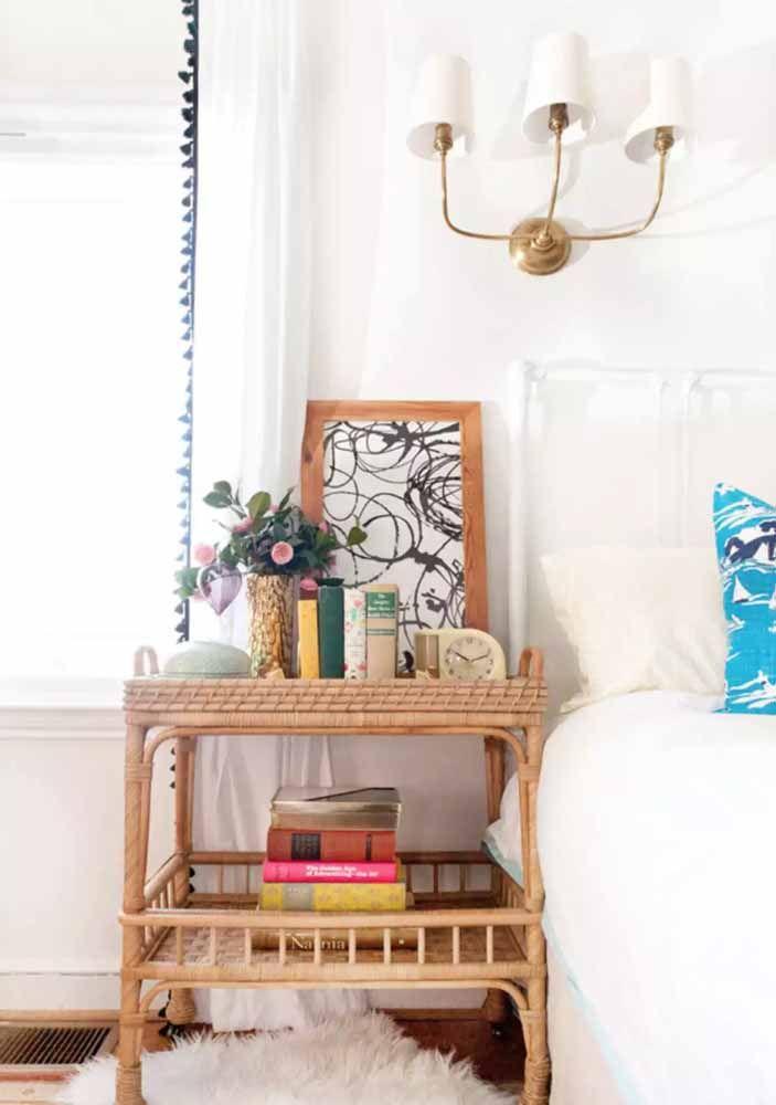 Criado mudo de vime para uma decoração acolhedora, clean e muito charmosa