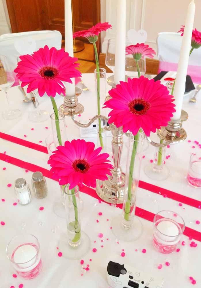 Gérberas rosa pink para combinar com a decoração da festa