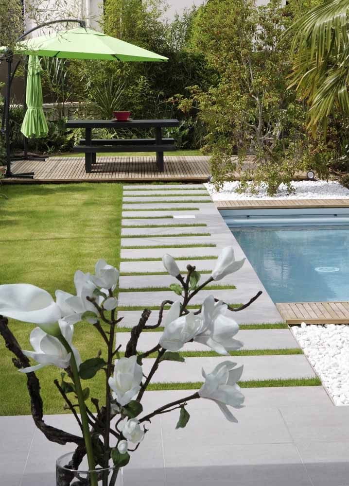 Ombrelone verde cítrico para acender o jardim