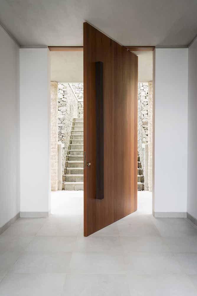 A porta pivotante pode ter o tamanho que você quiser