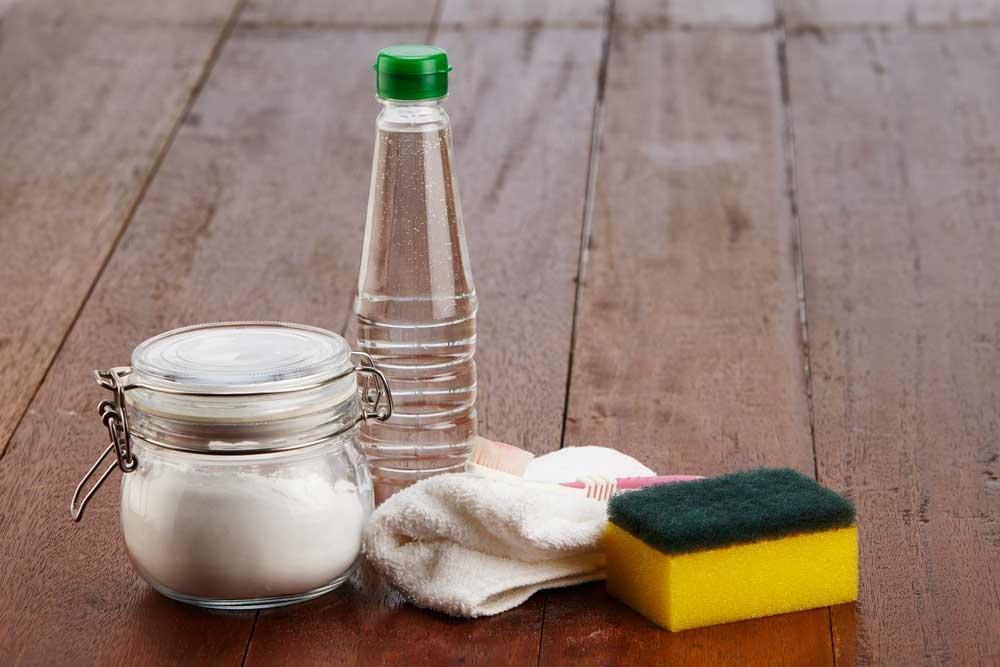 Bicarbonato de sódio e vinagre