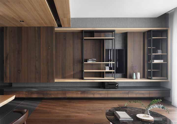No chão, nas paredes e até no teto: a madeira é o elemento ideal para quem deseja trazer conforto para dentro de casa