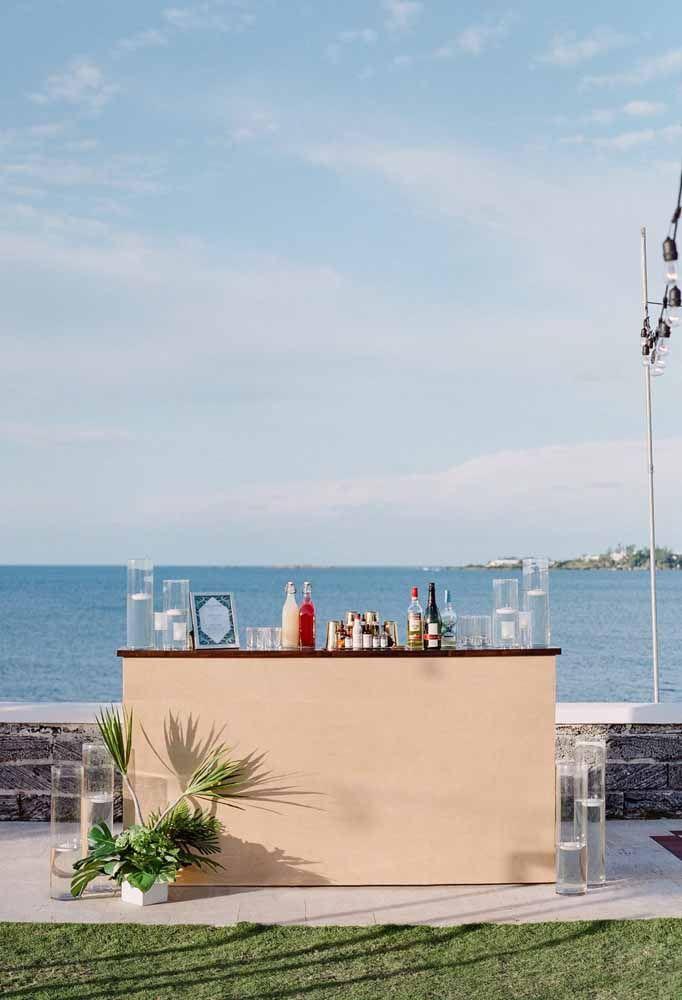 O bar da festa também ganhou o direito de ficar de frente ao mar