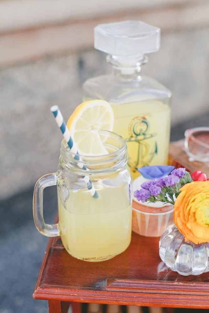 E que tal uma limonada bem fresquinha? Combina né?