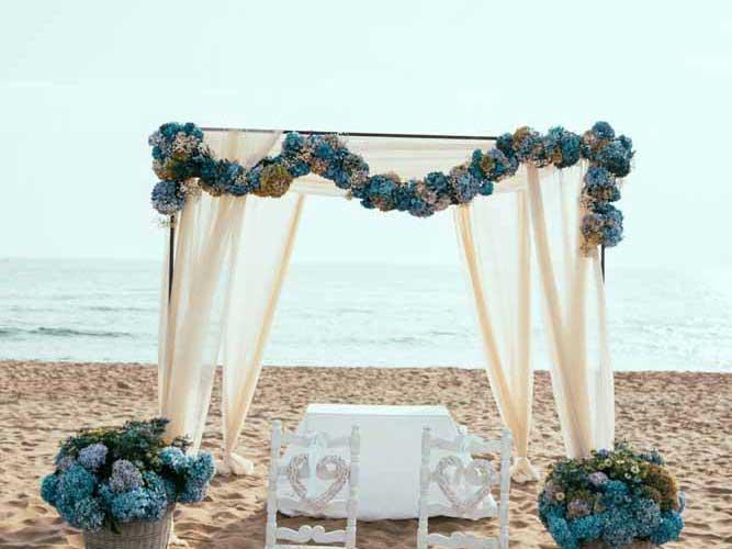 Casamento na praia: descubra como fazer com dicas e inspirações