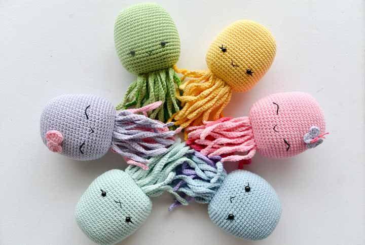Além de muito fofos, os polvos de tricô tem uma função muito especial: aconchegar bebês prematuros nas incubadoras